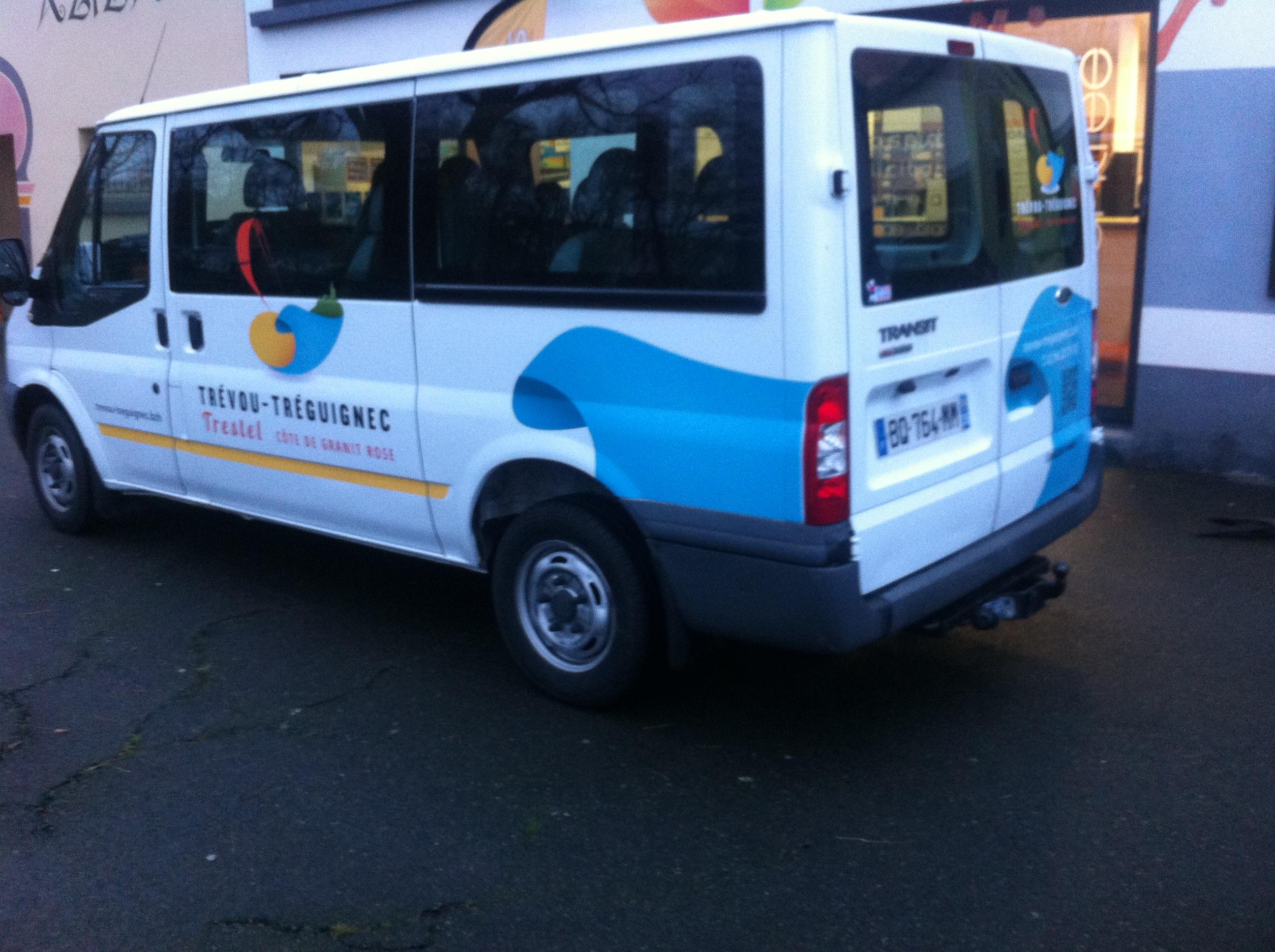 Trévou-Tréguignec Vous pouvez utiliser le minibus pour vous rendre au marché de Penvénan le samedi matin. Attention:  Inscription obligatoire