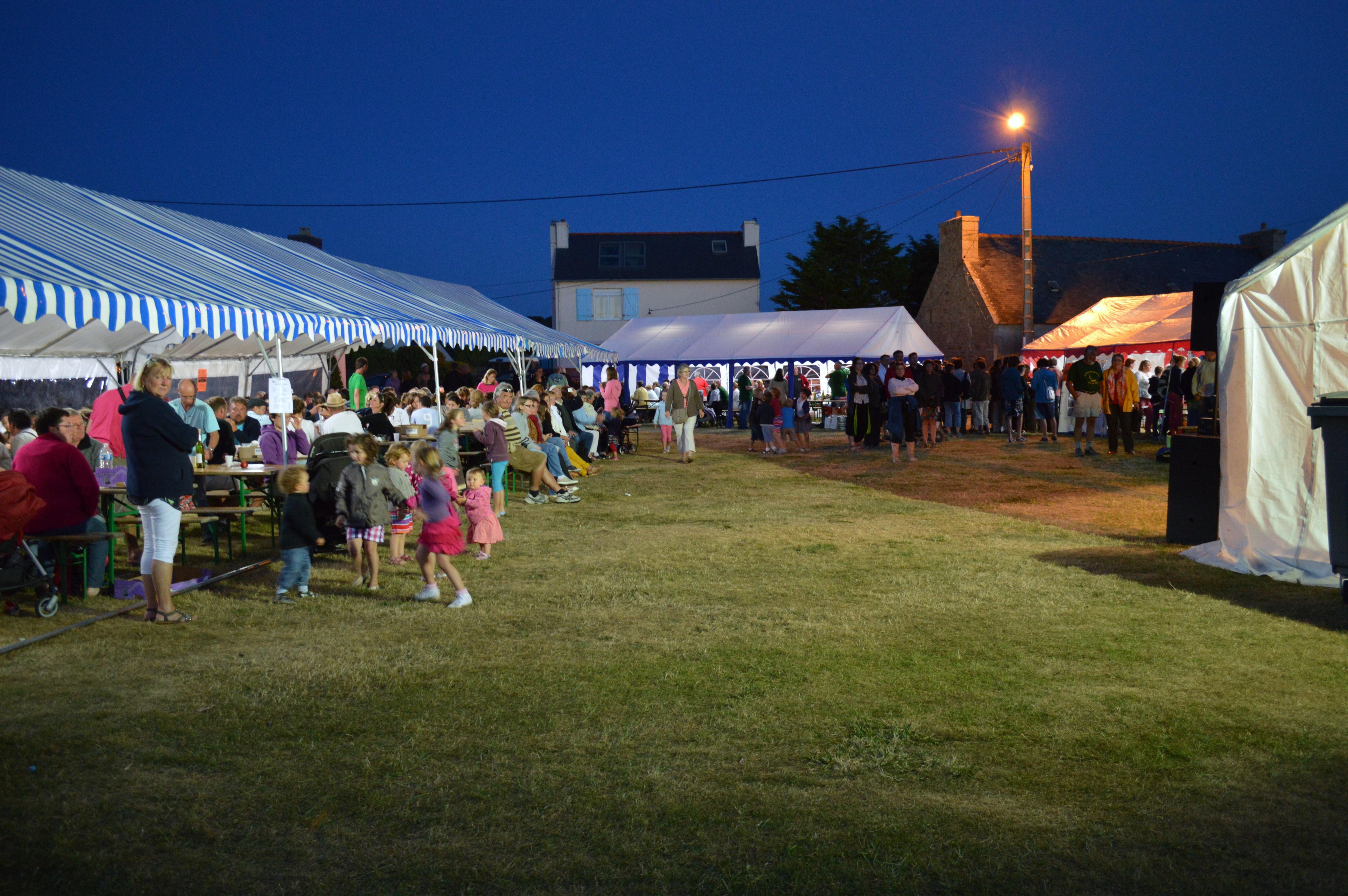 Trévou-Tréguignec gros succès de la fête des Plaisanciers du Royau  plus de 500 personnes au repas»moules-frites» du mardi 15 août