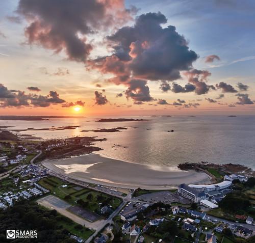 photo (rajoutée) de Guillaume Le Berre plage de Trestel été 2015