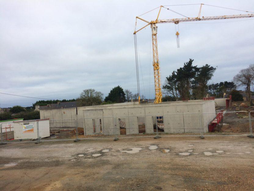 Trévou-Tréguignec   salle de sports: le bâtiment prend forme.. photos pour suivre l'évolution des travaux