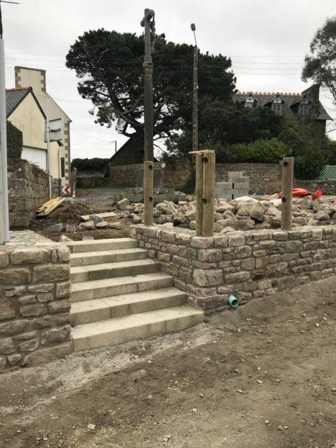Trévou-Tréguignec point sur les travaux en cours sur la commune   (photos)….. escaliers près du calvaire du bourg…