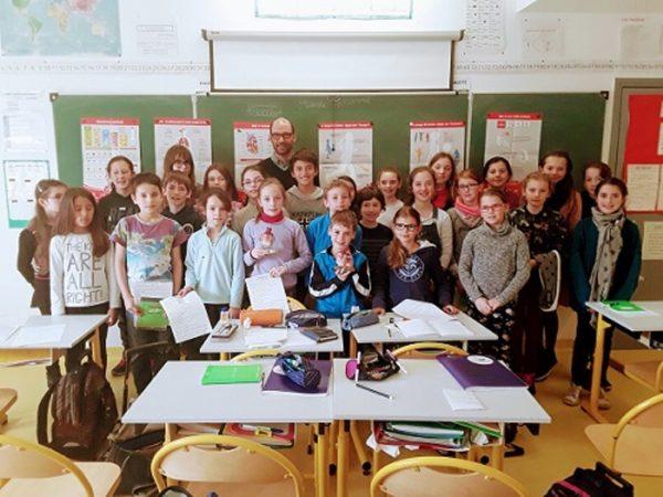 Trévou-Tréguignec   RPI: les enfants de CE2-CM1-CM2  ont reçu le Dr Gosselin, chef de Cardiologie de l'hôpital de Lannion