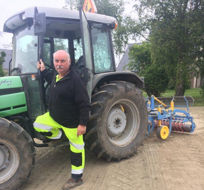 Trévou-Tréguignec  entretien des terrains communaux  et traçage des  parkings