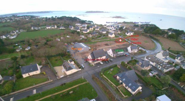 Trévou-Tréguignec la commune vend un terrain constructible , vue mer, 750m², 300m plage de Trestel