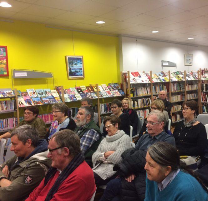 Trévou-Tréguignec La causerie autour des expressions bretonnes et des Noms Bretons, en présence des auteurs des 2 livres a ravi les participants