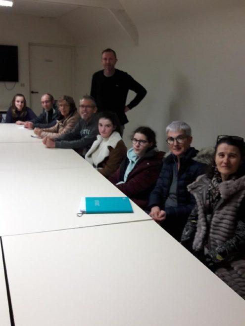 Trévou-Tréguignec  Les familles des collégiens inscrits reçus par le Comité de jumelage pour préparer le séjour à Lans-en-Vercors (Isère) du 16 au 23 février 2019; il reste 1 place. Inscriptions ouvertes aussi aux non-trévousiens