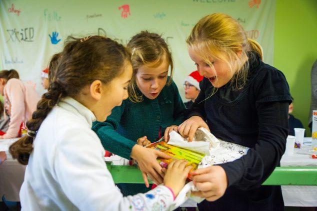 Trévou-Tréguignec école Saint Michel le Père Noël est passé distribuer des cadeaux aux classes