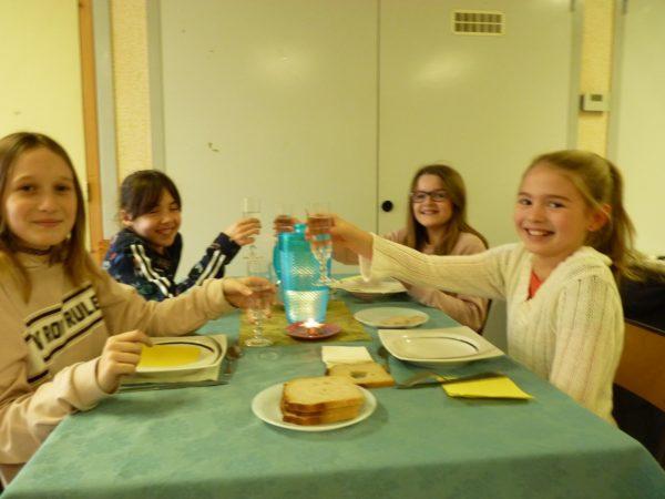 Les activités périscolaires: garderie, cantine, cour, TAP, présentées dans un blog…. des élèves encouragés à bien se tenir …  Trévou-Tréguignec