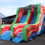 RPI Les Parents d'élèves des écoles publiques ont investi dans une structure gonflable qui a été  inaugurée dimanche à la kermesse. il est possible de la louer         Trévou