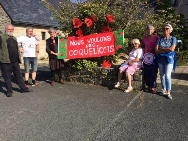 Le Mouvement: «Nous voulons des Coquelicots» s'est rassemblé pour le 3ème rendez-vous  vendredi 2 août. Prochain RV le vendredi 6 septembre.                  Trévou