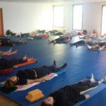 deux  cours de yoga à la salle annexe de la salle de sports le lundi  soir ont étrenné le nouveau tatami qui s'enroule..                    Trévou