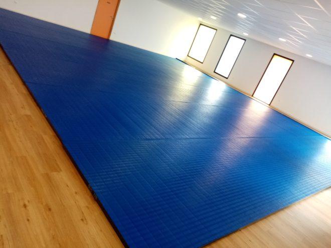 Le tatami attendu par de nombreux utilisateurs de la salle annexe de la salle de sports est arrivé et opérationnel pour la rentrée sportive   Trévou