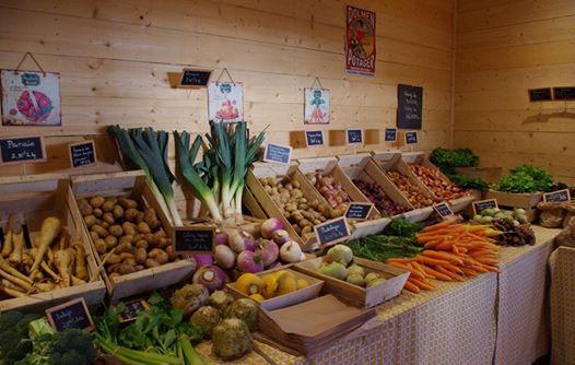 Trévou-Tréguignec le Défi des Familles à Alimentation Positive en visite à la ferme bio en vente directe Dolmen et Potager (infos et photos ici)