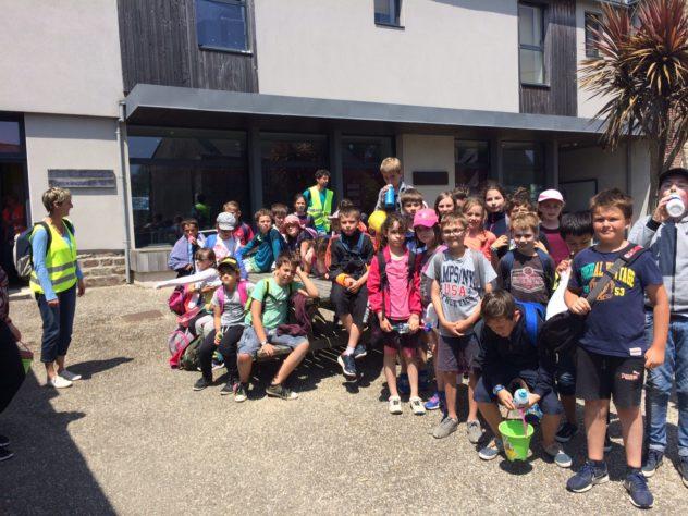 Trévou-Tréguignec RPI les élèves de la classe de Sylvie Le Gall ont reçu leurs correspondants de Ploumiliau et leur ont présenté la plage de Trestel…