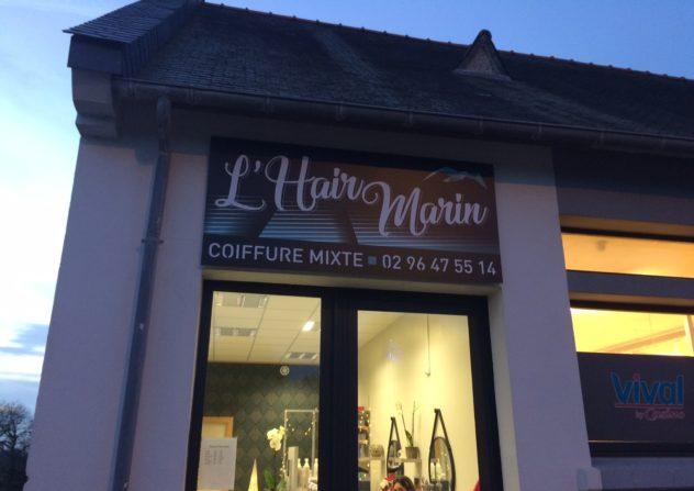 Julie Hillion, salon de coiffure Hair Marin vous propose de prendre vos rendez-vous en ligne, de chez vous..