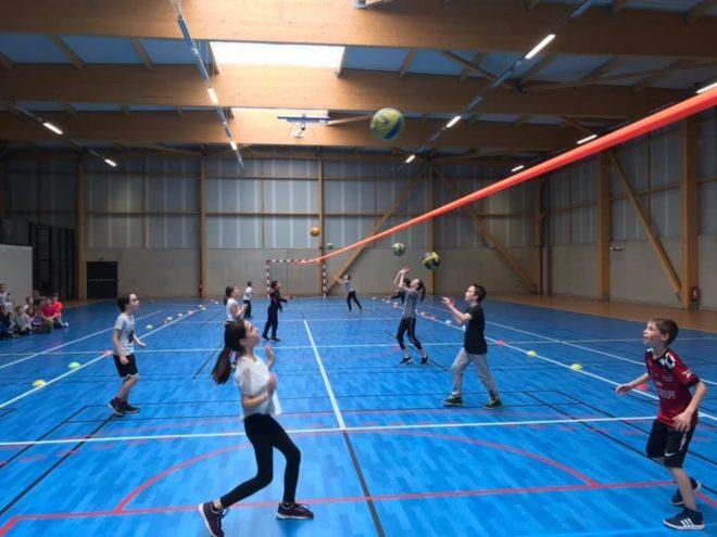 École de Volley à  Trévou-Tréguignec le lundi de 17h à 18h15 à la salle de sports