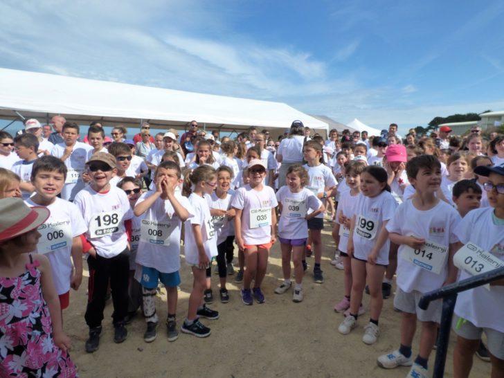 Gros succès de la fête HANDIFFÉRENCE de ce dimanche. 250 enfants ont pris part aux courses de la solidarité. Les animations et spectacles de l'après-midi ont attiré les visiteurs            Trévou-Tréguignec