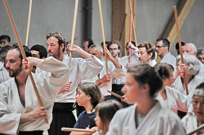 Le stage international d'Aïkido a rassemblé de très nombreux pratiquants dans la nouvelle salle de sports                        Trévou