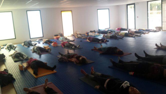 Des cours de yoga très prisés à Trévou :