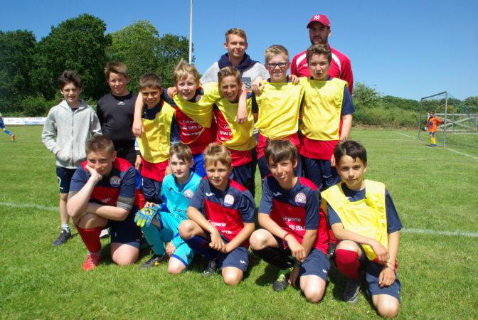 L'école de foot du FCTT a redémarre le samedi 7 septembre à 10h30  au stade de Trévou, route de Camlez,  dès 5 ans garçons et filles