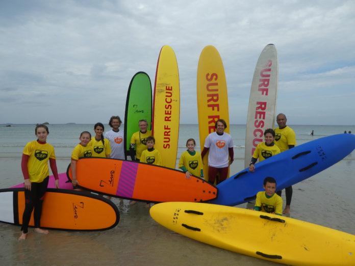 L'activité Surf Sauv'Nage a débuté samedi à Trestel en Trévou pour les 10 ans et + . Les plus de 16 ans peuvent aussi se qualifier nageur sauveteur ou surveillant de baignade..
