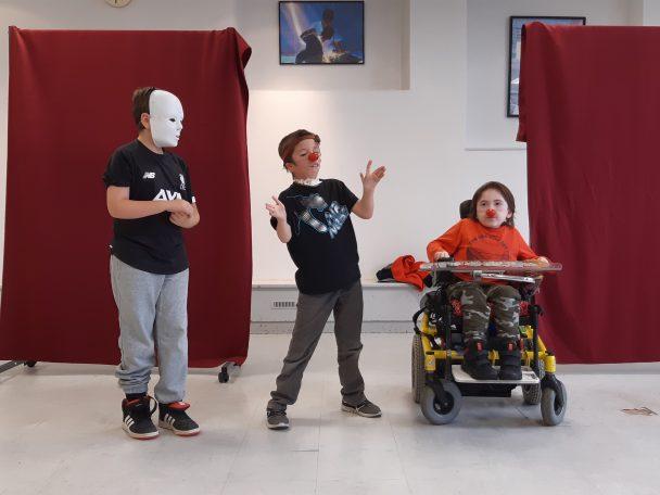 """Les enfants de Primaires et des collèges ont permis aux """"Enfants de Trestel"""" de bénéficier d'un stage Cirque (Trévou)"""