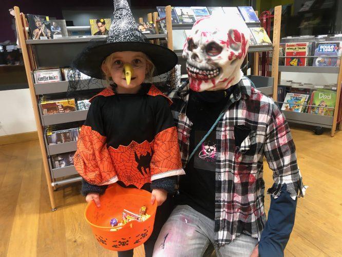 Halloween a été fêté par quelques trévousiens qui ont été récompensés par des friandises