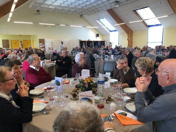 Le repas offert aux aînés de Trévou a rassemblé près de 140 convives dans une ambiance très festive. (photos)