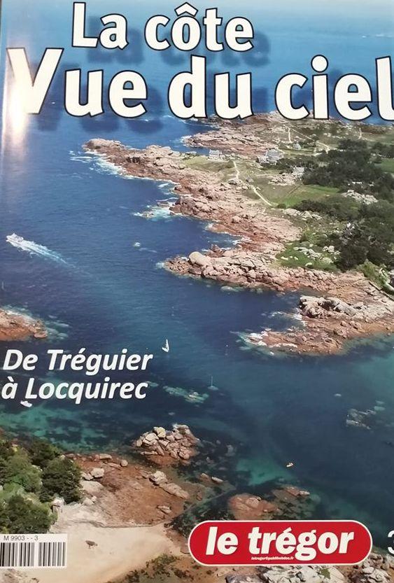 Un magazine avec de superbes vues aériennes de Tréguier à Locquirec en passant par Trévou-Tréguignec, disponible à la bibliothèque