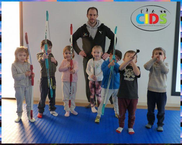 CIDS les très jeunes  enfants ont adoré la découverte de plusieurs activités sportives avec Anthony