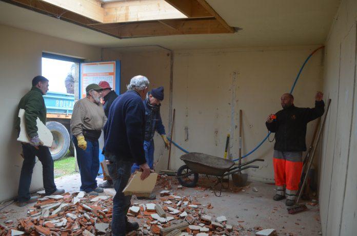 Les plaisanciers du Royau en Trévou oeuvrent pour transformer le local et en faire un lieu convivial
