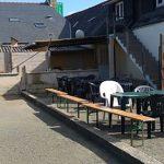 Le Pub L'Hermine, Saint Guénolé, Trévou-Tréguignec,  ouvert tous les jours à partir de 18h en été. Nouvelle terrasse plein Sud