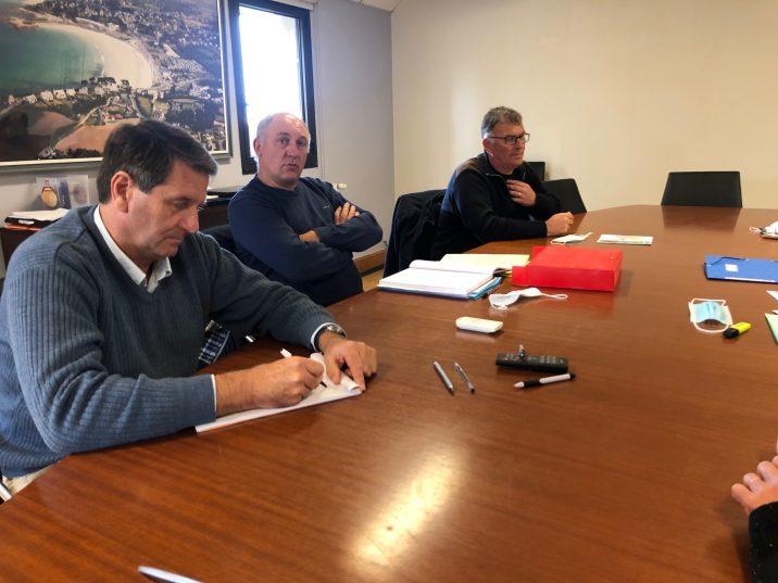 Erven Léon, Nicole Michel, conseillers départementaux, reçus à la mairie de Trévou-Tréguignec