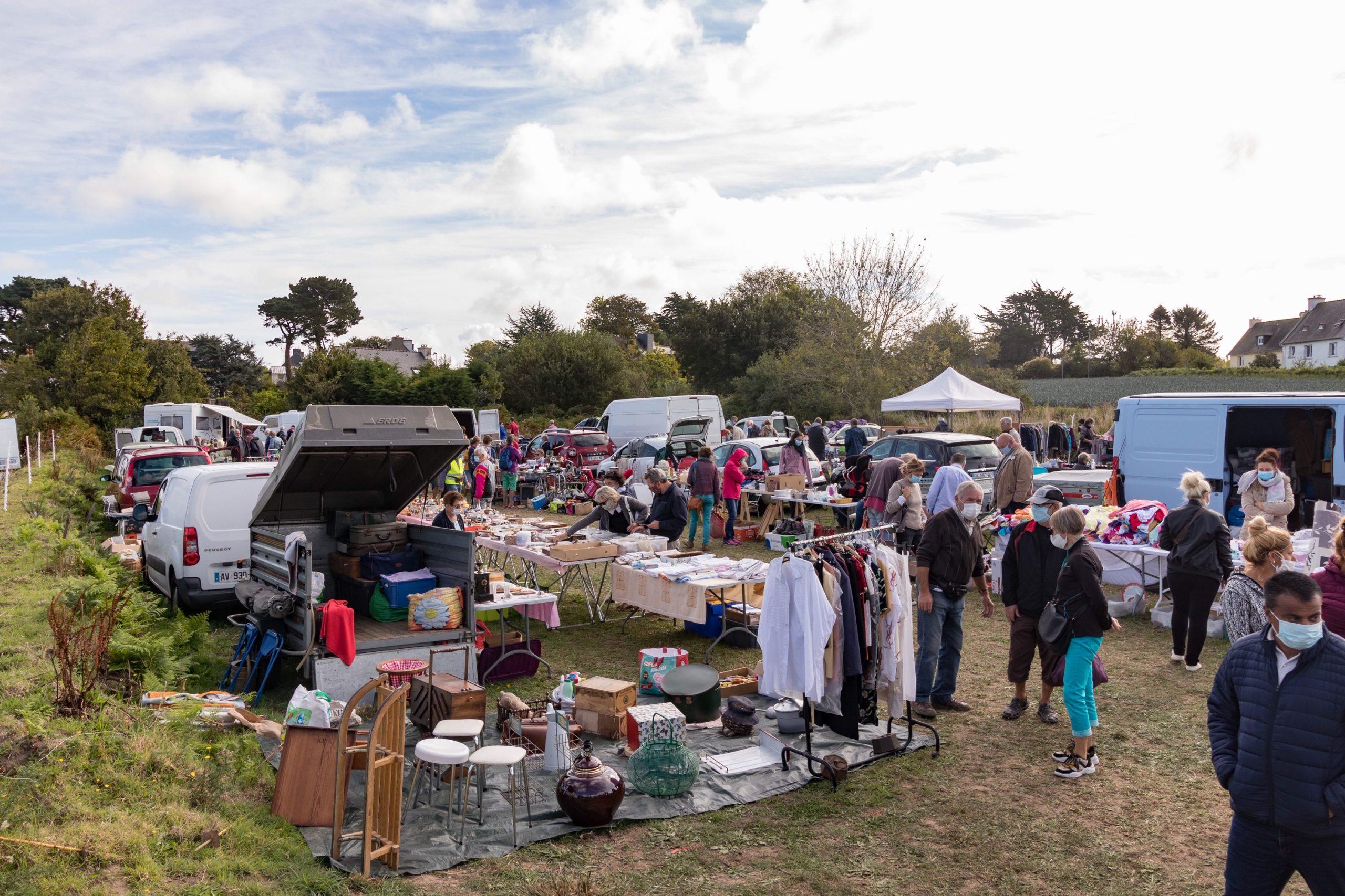 Gros succès du vide-greniers de Saint Guénolé en Trévou-Tréguignec du samedi 5 septembre organisé par les Gardennou an Treou
