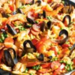 Les restaurants du front de mer sont fermés pour quelques semaines, quelques mois. Pour cet hiver, à Trévou, plats  à emporter au bourg au Côte à Côte