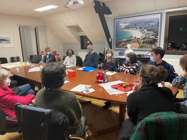 Les professionnels de santé reçus en mairie de Trévou-Tréguignec …  pour une présentation des 3 médecins