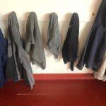 Des  vêtements oubliés à la garderie de Trévou … (photos)