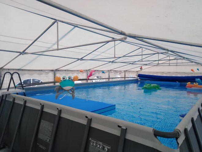 L'école de natation ouvre début juillet dans une piscine éphémère à Trestel en Trévou-Tréguignec avec Kévin Le Bastard… Il ne reste que quelques places…