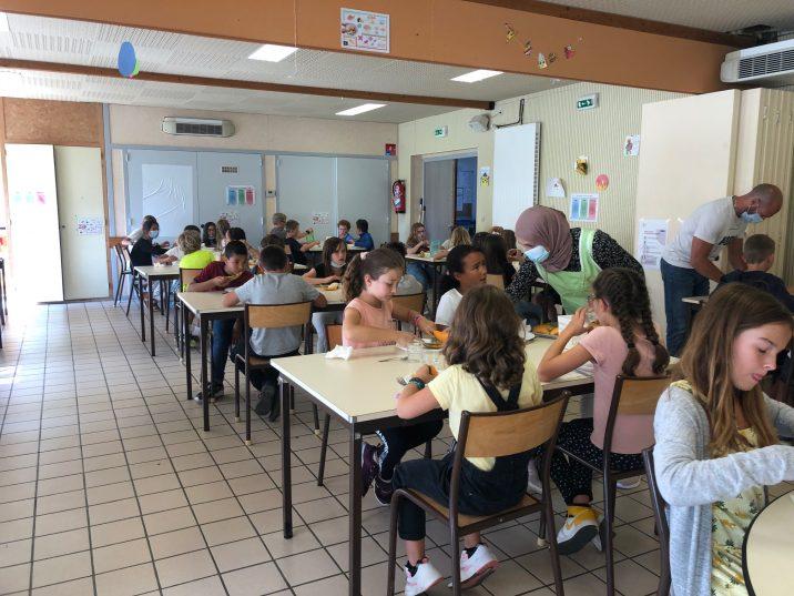 Restaurant scolaire communal (cantine) de Trévou : les menus du mois. Un moment convivial (menus et photos)